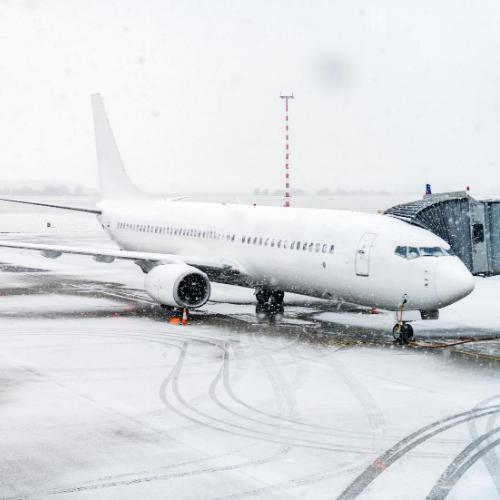 gatwick disruption - snow at airport
